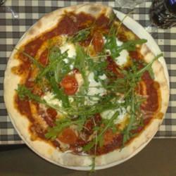 Pizza Espa2:n tyyliin.
